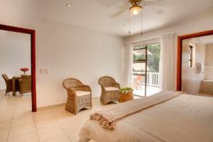 Limoni Self Catering Luxury Suites - Luxury Suite Bedroom