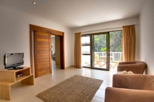 Limoni Self Catering Luxury Suites - Luxury Suite Lounge