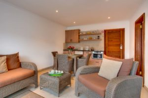 Limoni Self Catering Luxury Suites - Luxury Suite Lounge