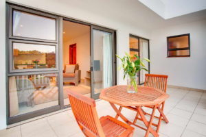 Limoni Self Catering Luxury Suites - Luxury Suite Patio