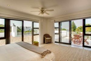 Limoni Self Catering Luxury Suites - Penthouse Bedroom