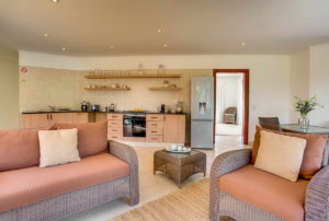Limoni Self Catering Luxury Suites - Penthouse Lounge